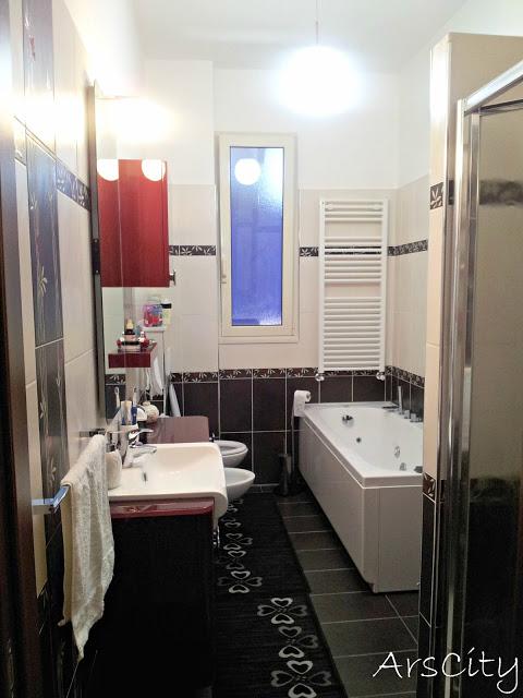 Il sito della settimana bagni dal mondo arscity - Piastrelle bagno nere ...