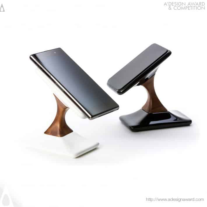Swich Wireless Charger by LUTMAN Design Studio