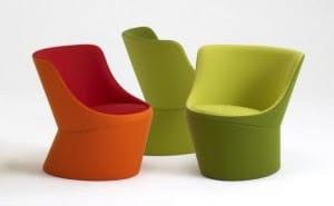 Arredamento colorato che si ispira allo stile pop: sedie e poltrone