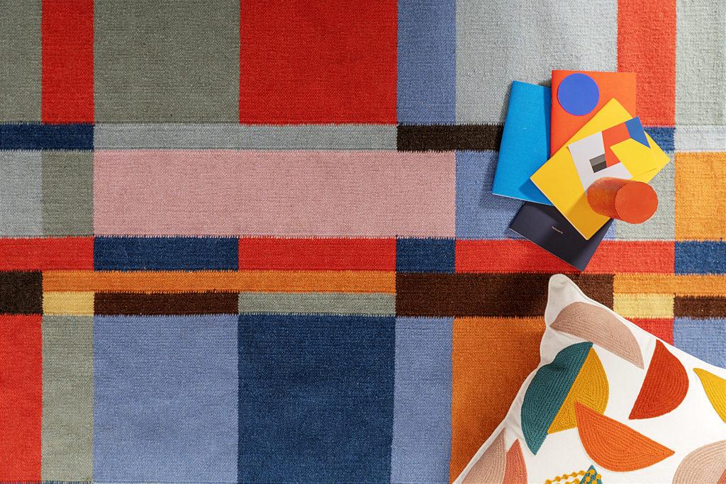 Una nuova collezione firmata Coincasa, dedicata al centenario della scuola di arte e design Bauhaus:oggetti e complementi d'arredo.