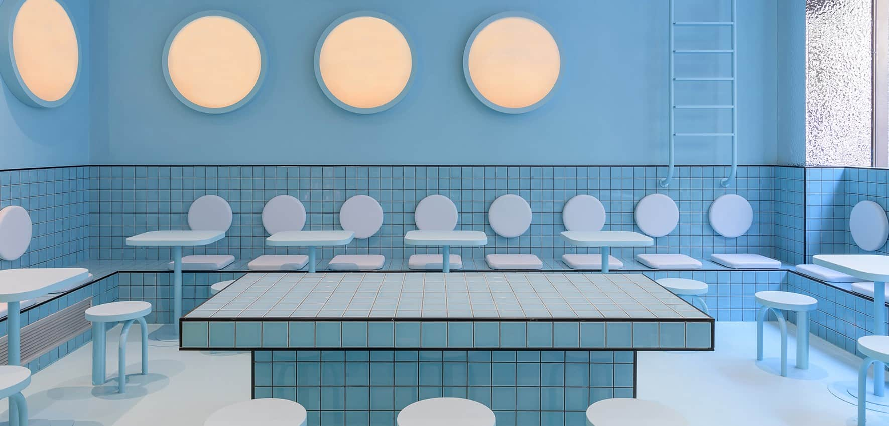 Bun Burgers Torino: un hamburger in piscina
